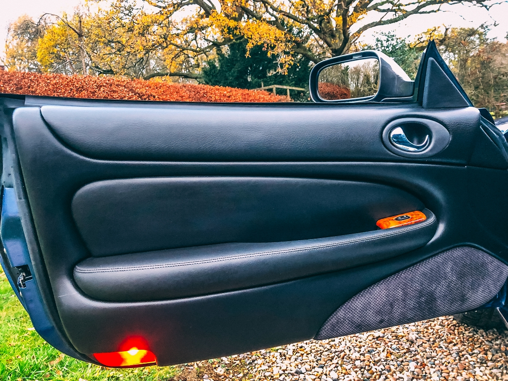 Jaguar XKR N/S Door
