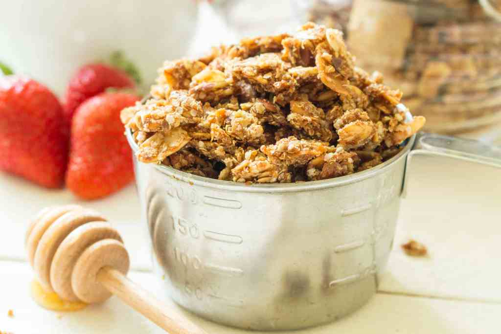 This healthy granola uses quinoa as a substitute for oats! Just 9 real ingredients , it's gluten free, dairy free, vegan, soy free, and oat free!