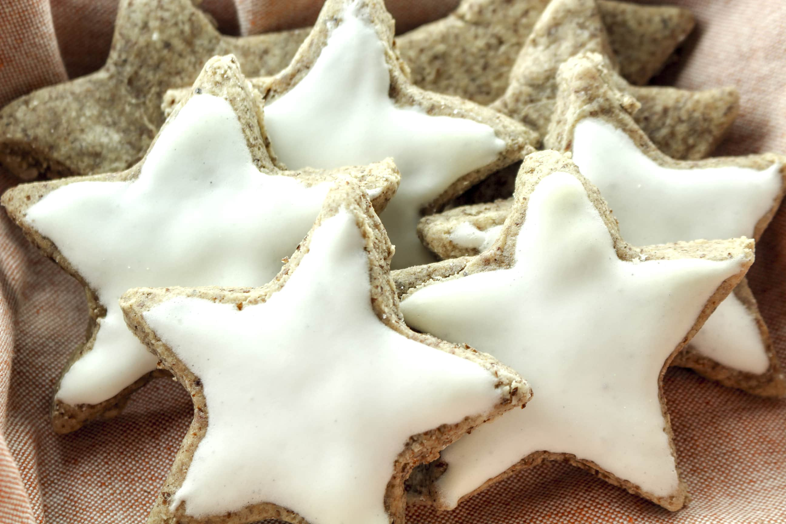 cinnamon stars zimtsterne are classic german christmas cookies its a simple and easy - Simple Christmas Cookies
