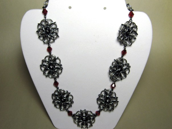 necklace_roses_white