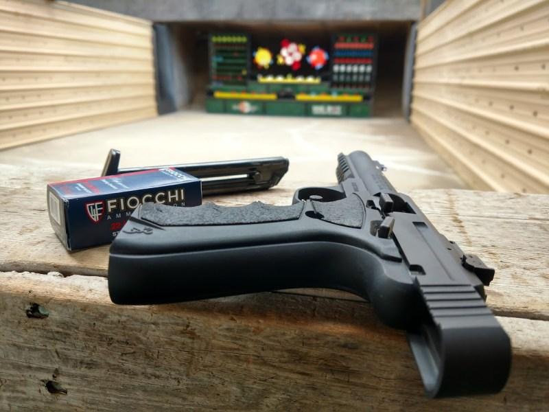 Gun at a shooting gallery