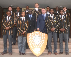 The Queen's College U19 athletics squad with the Hirsch Shield