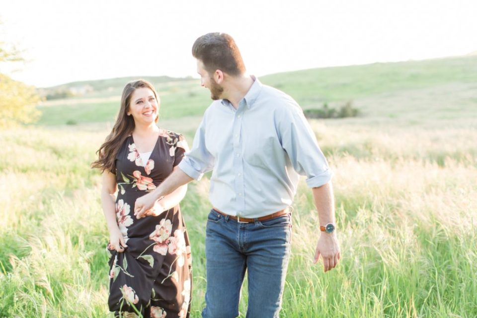 Casual engagement session poses that are fun.