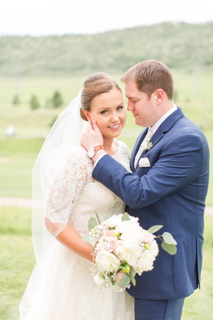 Bride and groom at the Wedgewood Ken Caryl wedding venue in Littleton Colorado.