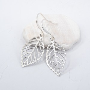 silver-leaf-earrings