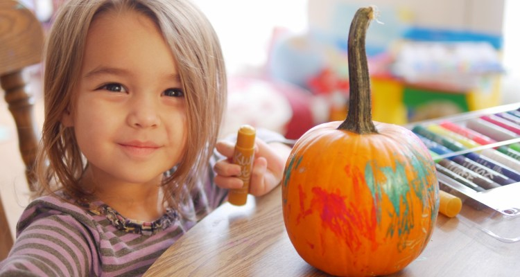 Mess-Free Pumpkin Painting With Kwix Stix