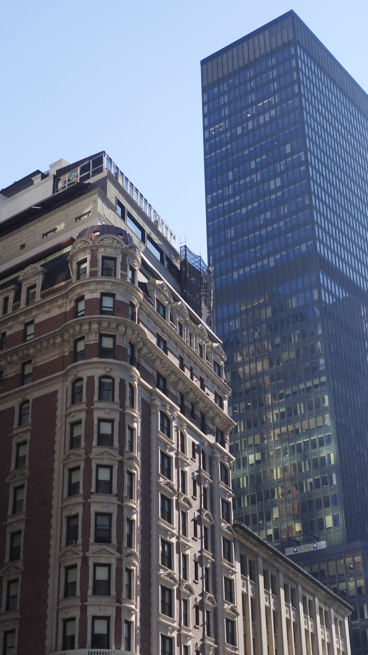 Travel Tuesday: A Day In New York City - Theresa's Reviews