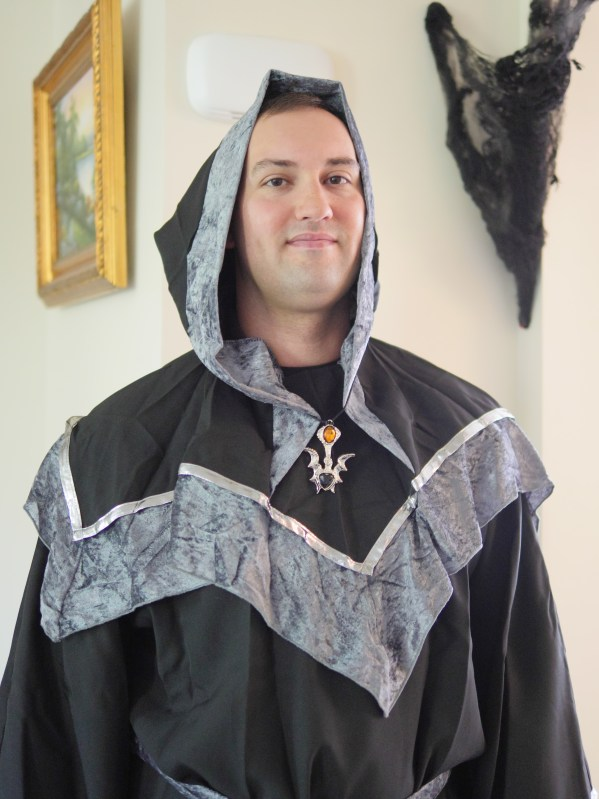 He pretty much wins the best dad award for picking out a warlock costume to bring a smile to his daughter's faces. Theresa's Reviews 2017 Halloween Decor