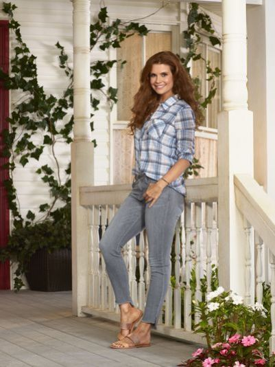 "KEVIN (PROBABLY) SAVES THE WORLD – ABC'S ""Kevin (Probably) Saves the World"" stars JoAnna Garcia Swisher as Amy Cabrera. (ABC/Bob D'Amico)"