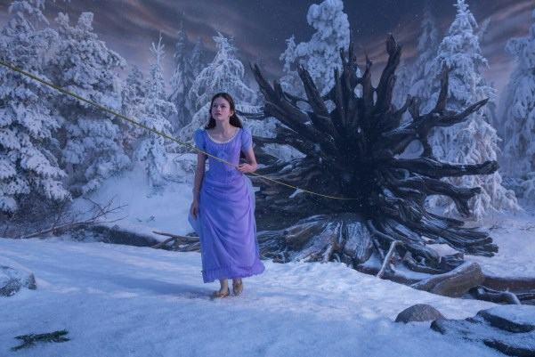 Theresa's Reviews - Mackenzie Foy is Clara in THE NUTCRACKER AND THE FOUR REALMS