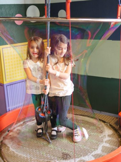 Theresa's Reviews - The Giant Bubble At Port Discovery www.theresasreviews.com