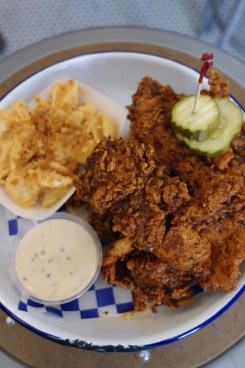 Hot fried chicken plate