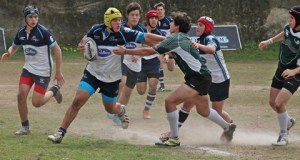 U16 - Ruben Mendaña with the hand off
