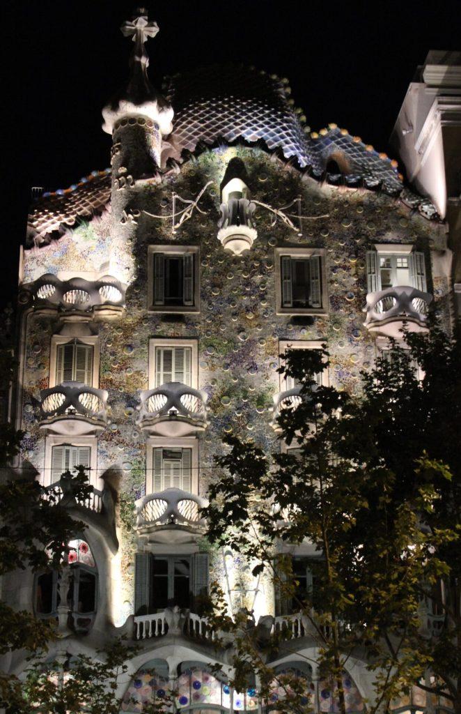 Gaudi Building - Carrer Gran de Gràcia, Barcelona