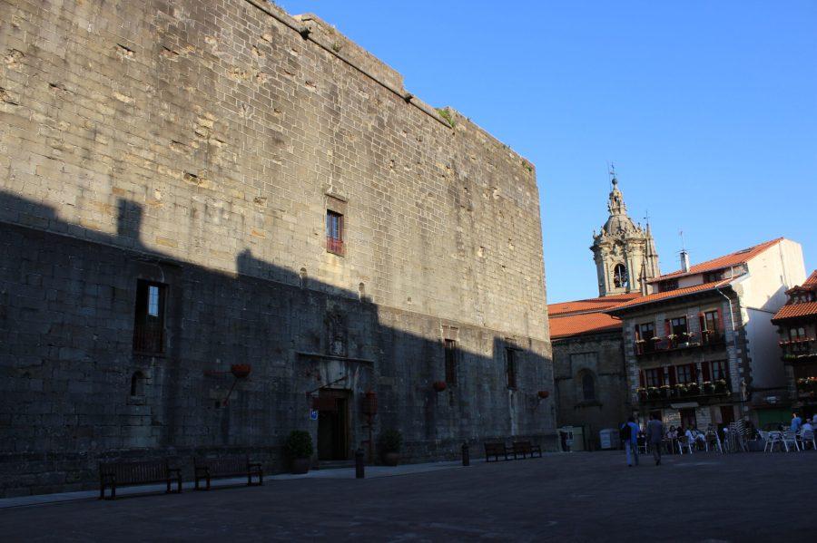 Peradores Emperador Castle Hotel in Hondarribia