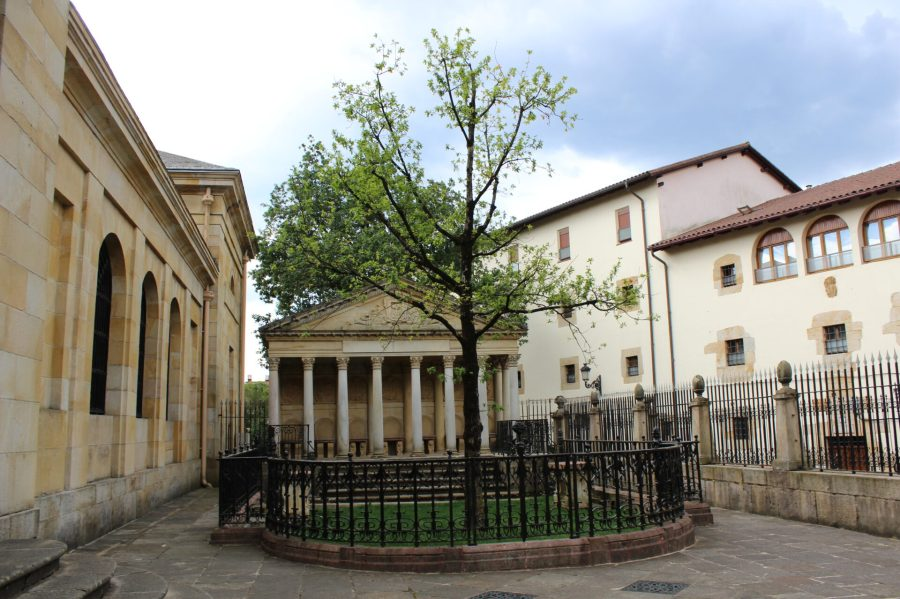 Assembly Building and Oak Tree in Gernika