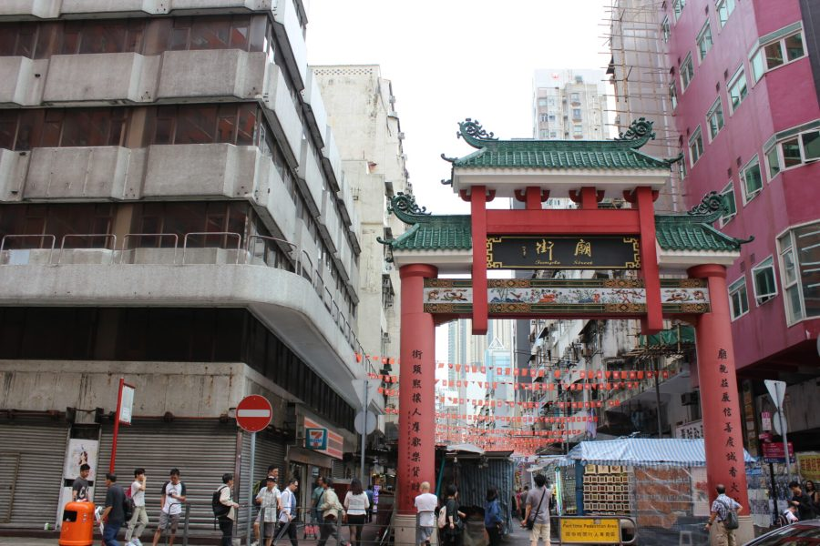 Temple market - do not miss this on your tour of Hong Kong in 2 days