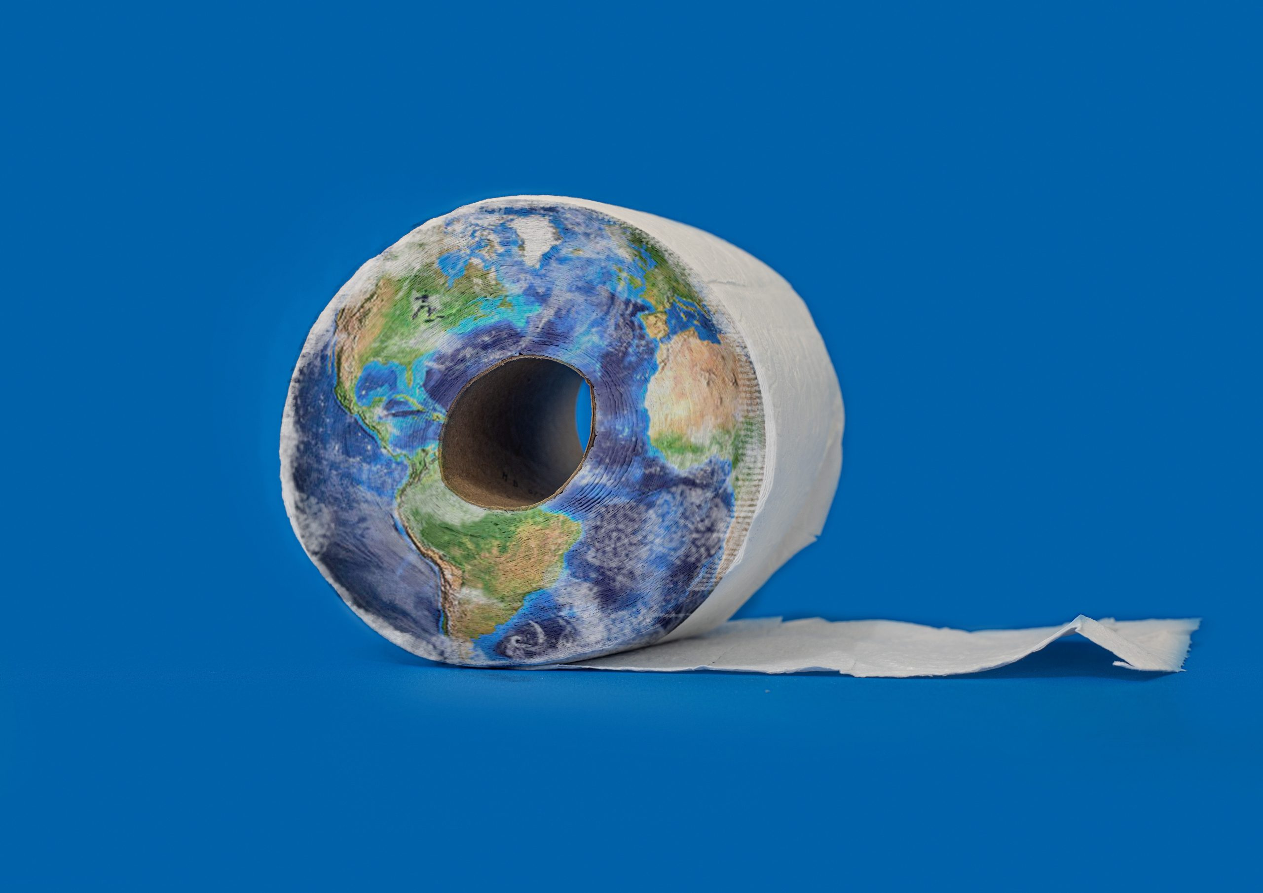world toilet culture - toilet paper to go - bathrooms in other countries - what countries don't use toilet paper