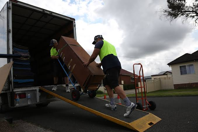 Make Your Relocation Easy With Packers and Movers