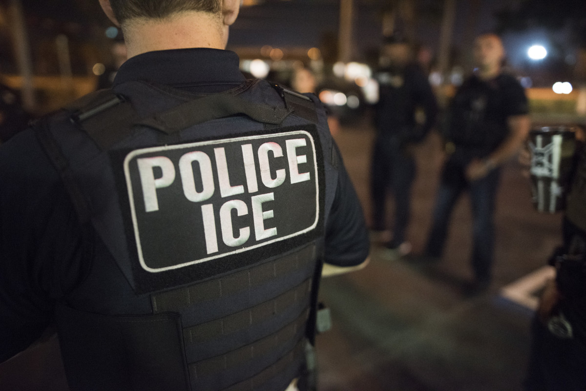 ACLU Issues Florida 'Travel Alert' After Sanctuary Cities Ban
