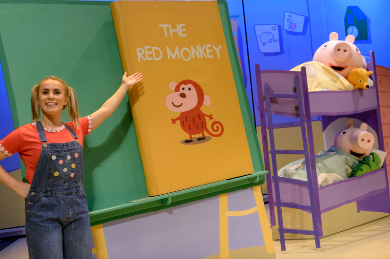 Red Monkey and Peppa Pig