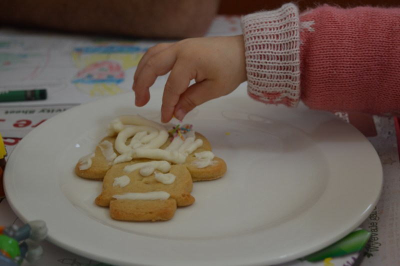 Decorating cookies at Wyevale Woburn Sands