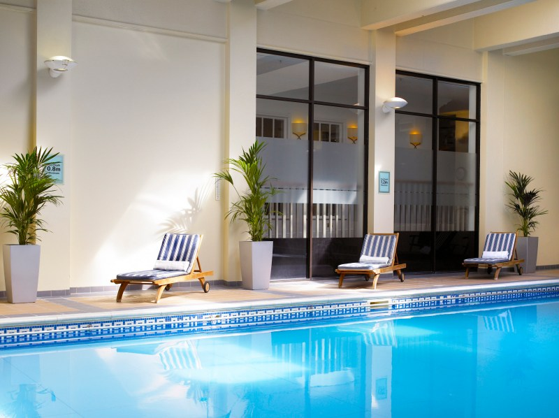 Heathrow Windsor hotel swimming pool