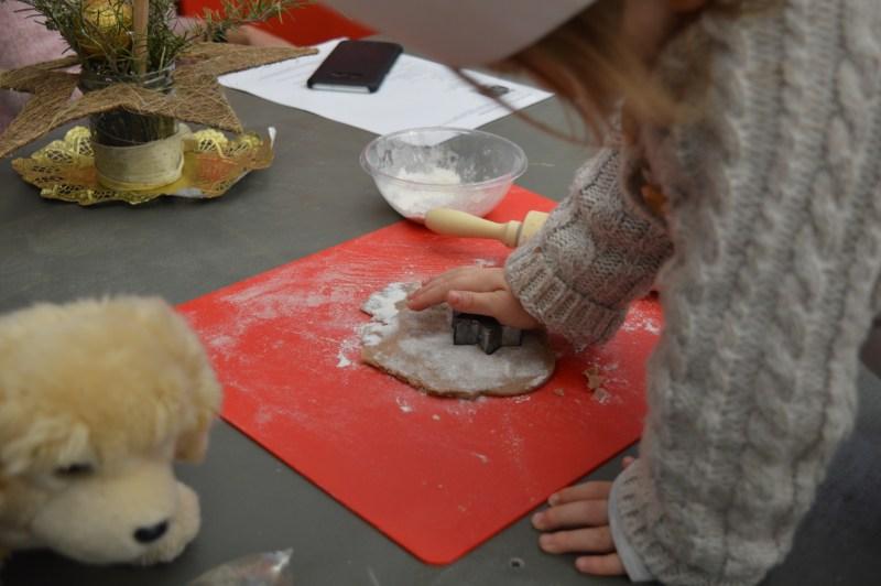 A gingerbread-making workshop
