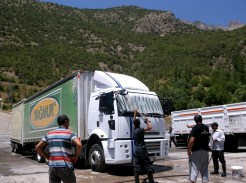 Washing the truck on the road to Bitlis