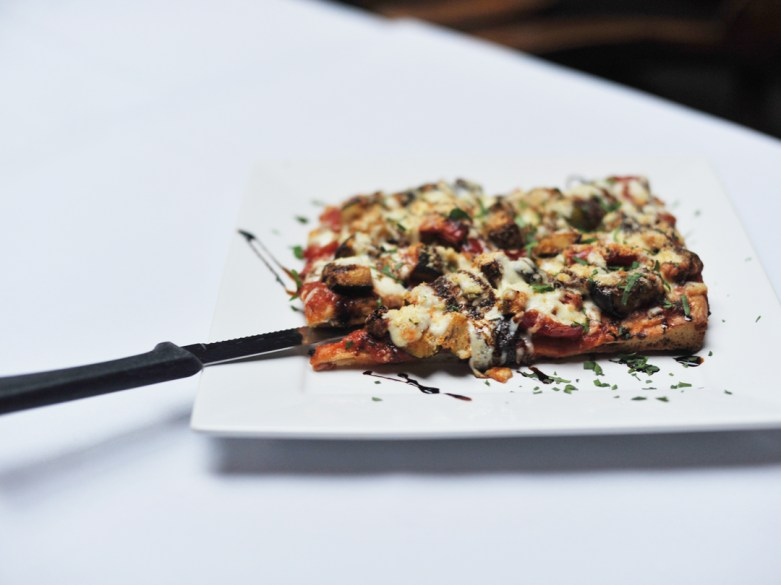→ Focaccia Pizza – topped with tomato sauce and mozzarella with ratatouille or salami