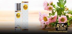 hadiah minyak wangi untuk perempuan