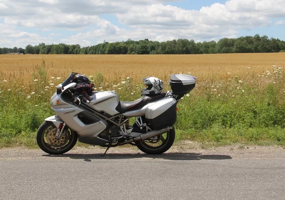 Sport touring motorcycle