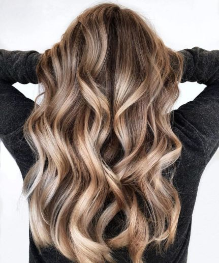 Shiny Bronde Balayage For Long Hair