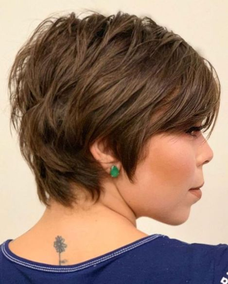 Short Hairstyle With Choppy Layers