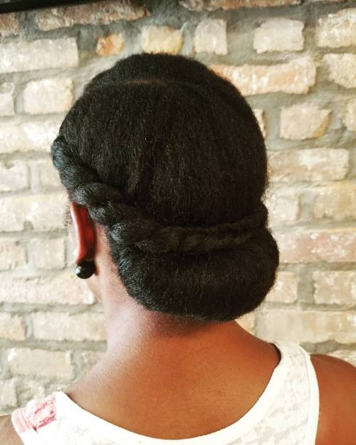 Low Rolled Updo With A Twist