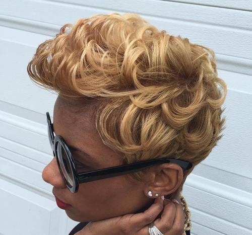 dark blonde curly hairstyle for black women