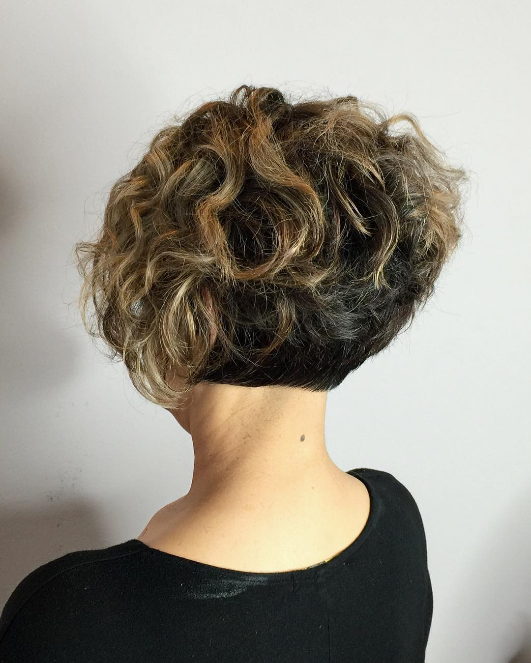 Curly Short Haircuts and try hairstyle at home