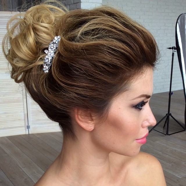 40 best short wedding hairstyles that make you say wow voluminous updo for shorter hair junglespirit Gallery