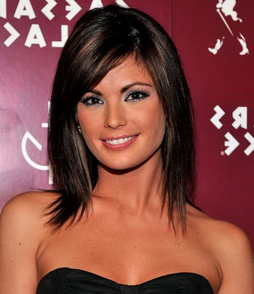 70 brightest medium length layered haircuts and hairstyles medium layered haircut with side bangs urmus Images