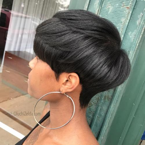 Sleek Stacked Black Pixie Bob