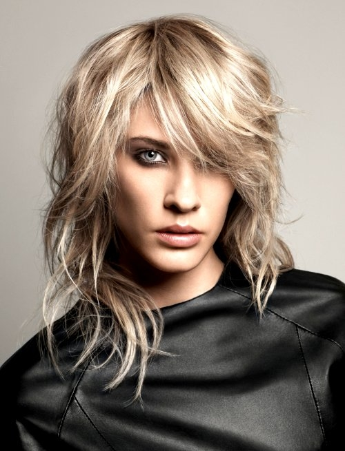 Groovy 40 Best Variations Of A Medium Shag Haircut For Your Distinctive Style Short Hairstyles For Black Women Fulllsitofus