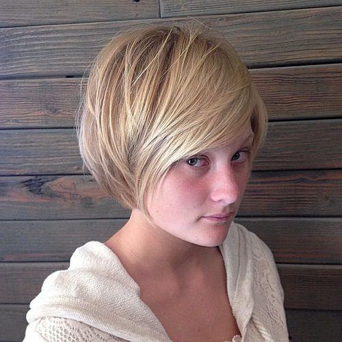 layered blonde bob for thin hair