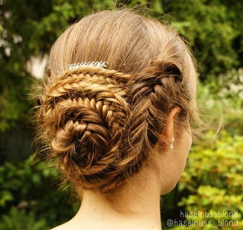 seashell bun with fishtail braid