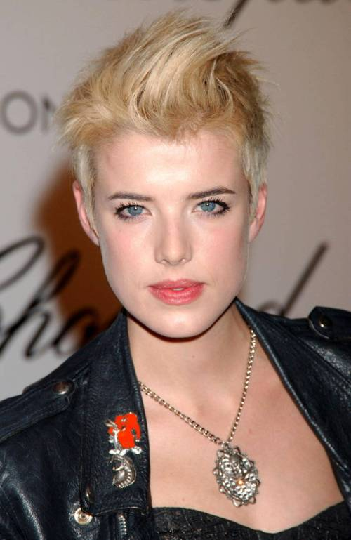 Agyness Deyn short funky hairstyle