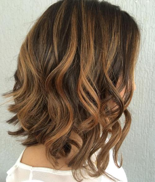 Brunette Lob With Caramel Highlights