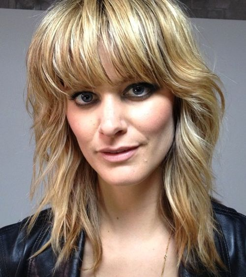 how to cut medium shaggy hairstyles with bangs