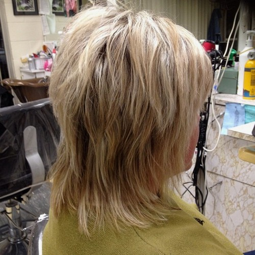 heavily layered medium shag haircut