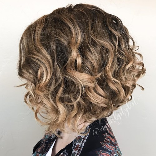 Messy Wavy Dark Blonde Bob