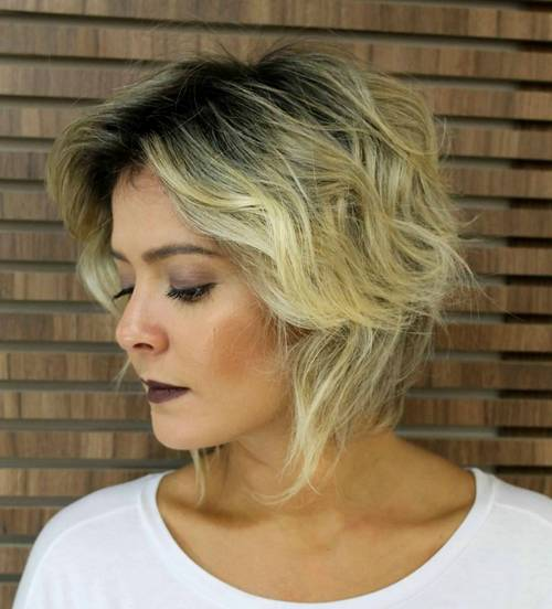 short tousled hairstyle for fine hair