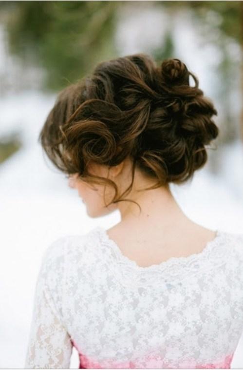 Vintage Updo para cabelo ondulado grosso